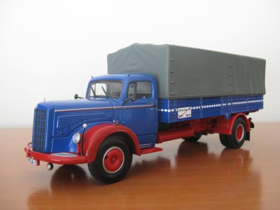 MERCEDES BENZ L315  ( Minichamps)