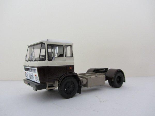 Tracteur DAF A2600