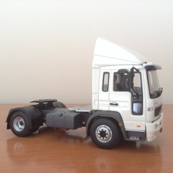VOLVO FL7 (pièces MotorArt)