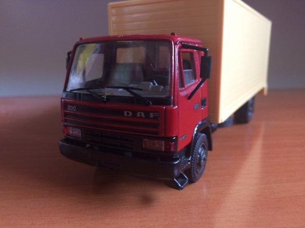 DAF 800 (AHC)