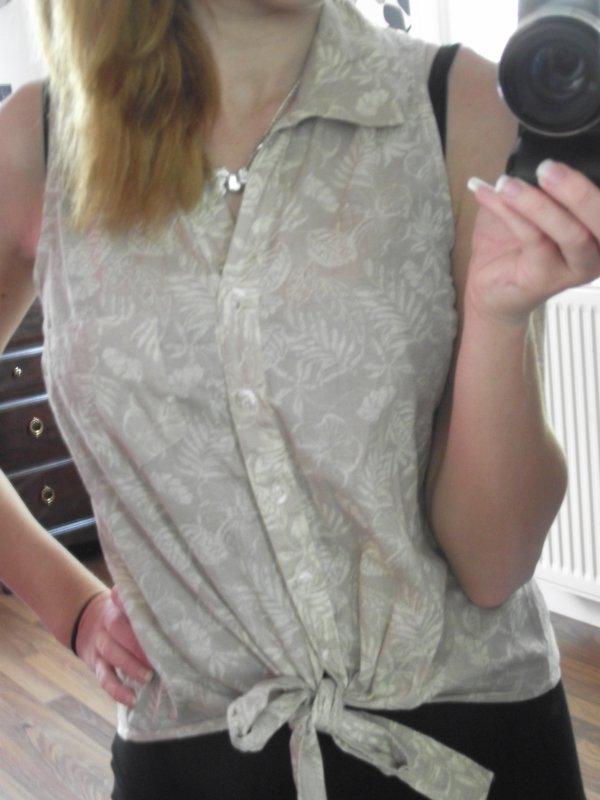 D'autres photos de la chemise sans manches.