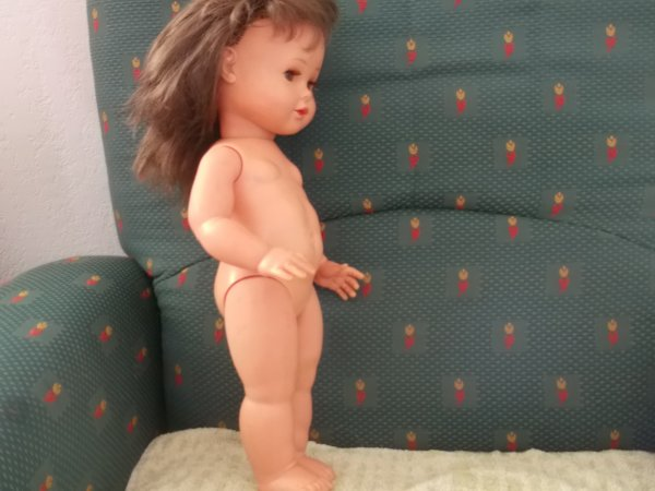 poupée Raynals à identifier...elle mesure 42 cm