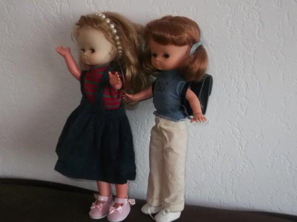 La soeur jumelle de Lesly, Lesly-Lys, boude......