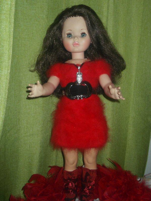 J'ai une très jolie robe rouge toute douce que tu m'as réalisée   ( 5 )