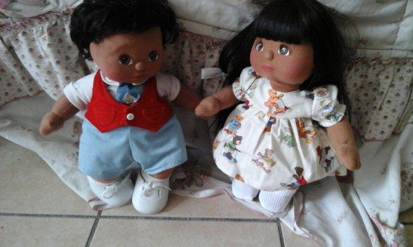 Voila un bien joli couple! L e petit garçon africain  My Child de Mattel Little Néo , 1985 , vient d'un lointain pays , La Thailande , il a traversé une bonne partie du monde afin de retrouver son amoureuse , Little-Rose , Ah l'amour!
