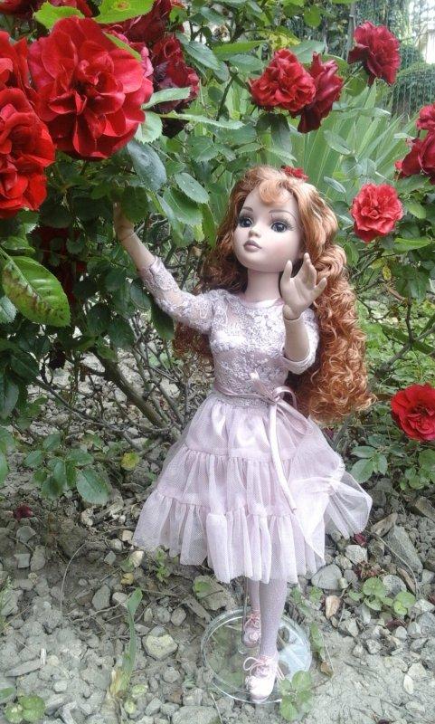 Quand Ellowyne découvre les roses....