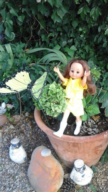 """Delices de juillet : """" Qu'il est bon de s 'amuser dans le jardin de Marthe....."""""""