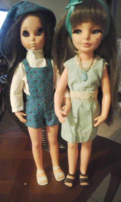 mes deux jolies italiennes ,Susanah et Simona vous souhaitent une bonne soirée.