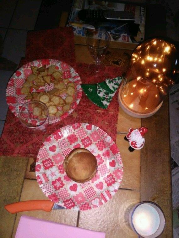 Mini décorations, mini repas , mini reveillon a deux en mini amoureux....tout est mini mais trop mimi comme soiree....