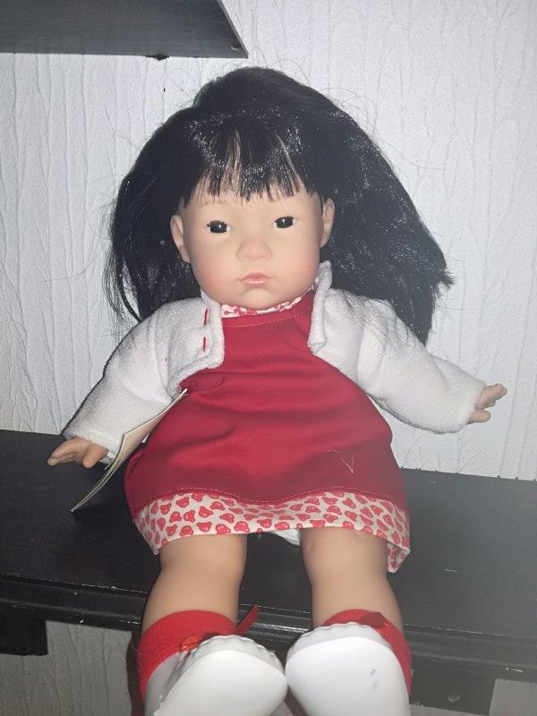 Special Noel.....tirage au sort demain! Inscrivez vous......cette jolie petite poupée asiatique....O Nil....ou....