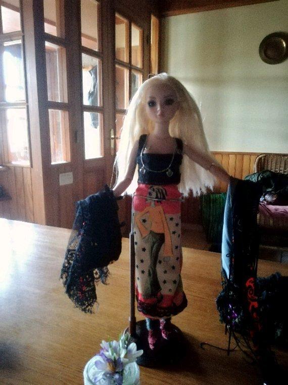 Ellowyne vous dévoile « les petits secrets du Cezallier »....une robe réversible...