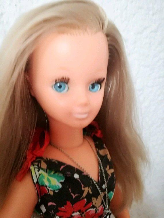 Betsie a enfin sa robe printanière...