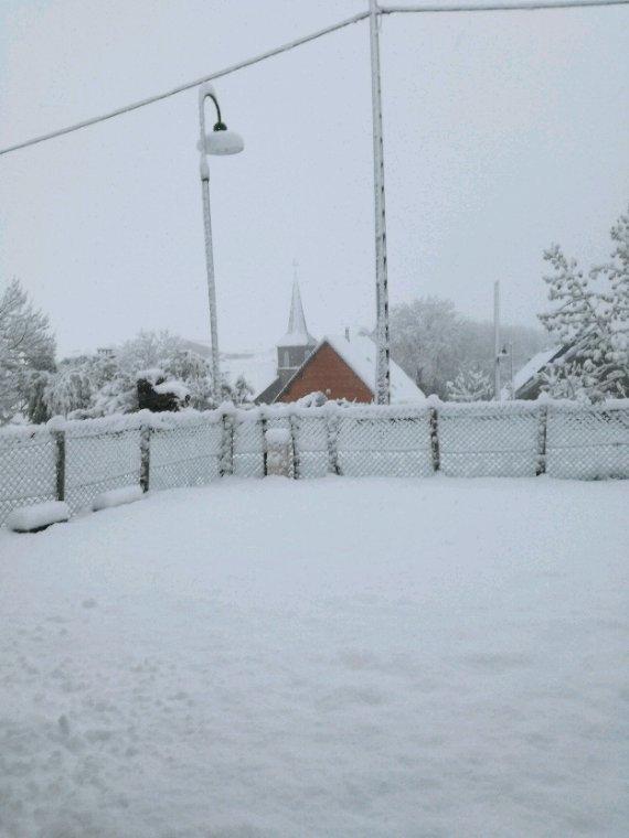 Il neige ici , ca n arrête pas!
