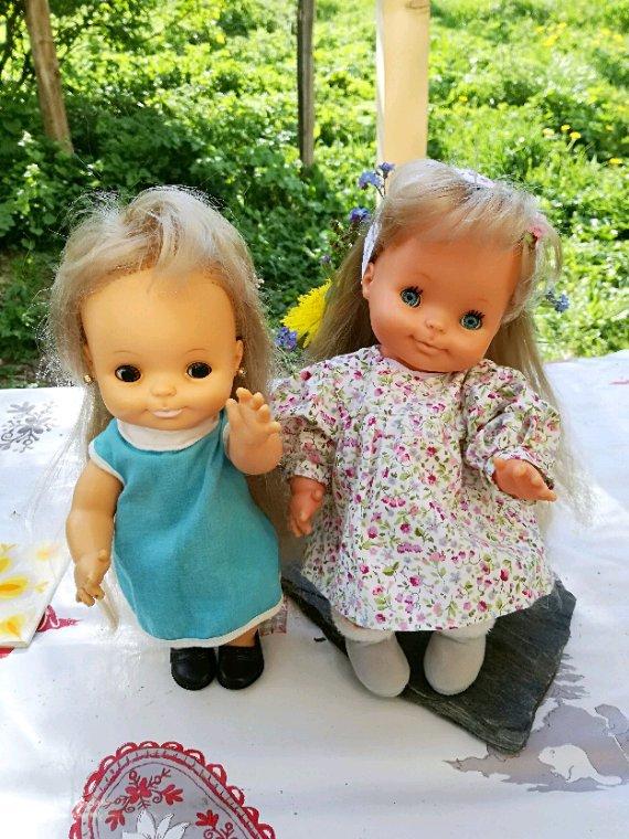Mes petites filles prennent un peu l air....Bonne soirée