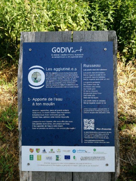 D abord le Pont de Gabin, actuellement il y a une exposition sur le thème de l eau....God'ivart.....