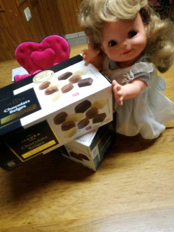 Voilà voilou....ce que Cincia vient de découvrir.....des chocolats belges!