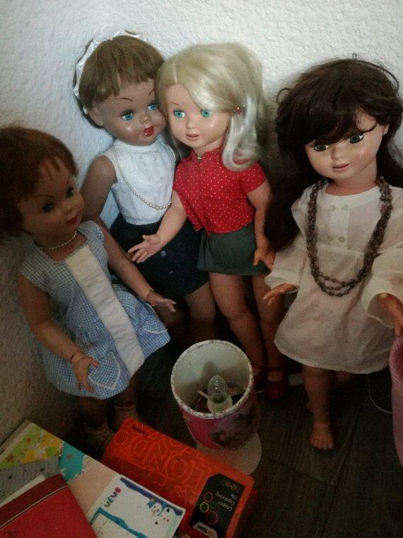 Les jolies petites ancêtres de Nancy Famosa en avaient marre d etre enfermées....mais il en manque une!