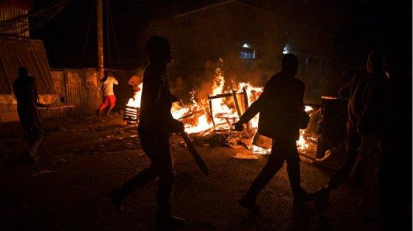 Kenya : scènes de liesse et émeutes après la réélection de Kenyatta