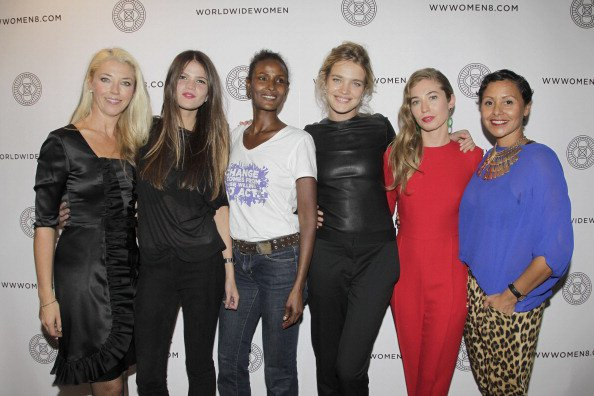 "Apparition: Fête des 20 ans de DVF Loves Purple : le 30 Septembre 2012 ; World Wide Wome ""Wanderer's Eyes"": le 28 Septembre 2012"