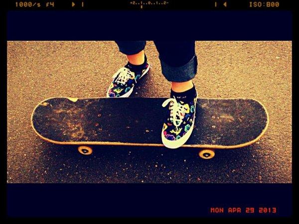 skate board girl