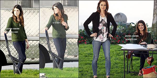 07/12/12 :  Shenae a été vue avec ses co-star tournant une scène pour la série 90210 de la saison 5.