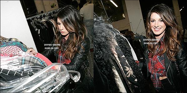 ". 18 Mai 2012 : Shenae et sa BFF Jessica étaient au "" Marie-Dolma Chophel's -Invasive Ways- Exhibition Opening "" . ."