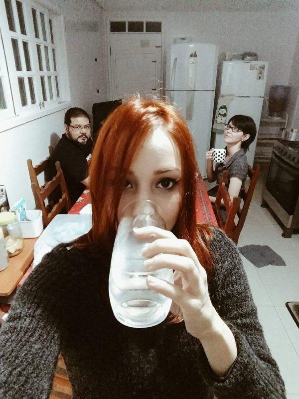 Tu bois quoi ??? De l'eau je te dis :')
