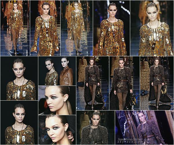 02.03.17 — La Fashion Week continue, et c'est pour Balmain cette fois ci que Josephine défile. C'est dans la capitale de la mode, Paris, que Josephine s'est rendue pour défilé. Elle a été repéré plus tôt dans la journée arrivant au show.