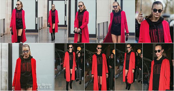 - 04.03.17 — Josephine a défile pour le célèbre créateur Thierry Mugler durant la Fashion Week de Paris.   Un peu plus tôt dans la journée Josephine a posé pour les paparazzis et les nombreux fans devant son hôtel, tenue au top, vous aimez ? -