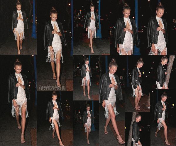 - 13.03.18 — Josephine S. a été vu quittant le night club «Delilah»situé à West Hollywood en Californie. L'ange VS tout droit sortie d'un event nous offre encore une fois un magnifique candid ! Robe glamouret la veste du boyfriend : love ! -
