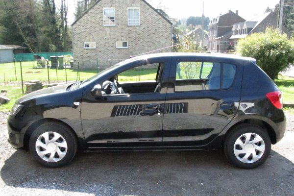 Ma Dacia Sandero 2013 Lauréate, noir nacré, 1.2 essence