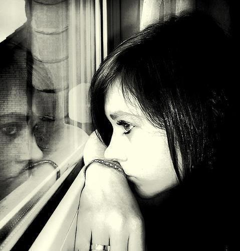 لاتقف كثيرا عند أخطــــــاء ماضيك .. لأنها ستحول حاضرك جحيمــا... ومستقبلك حطامــا ....  يكفيــــك منهــــا وقفــــة اعتبــــار