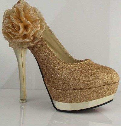 Article 18éme ; Chaussures Taille 35 à 39,   35¤ Frais d'envoi Inclus. :)