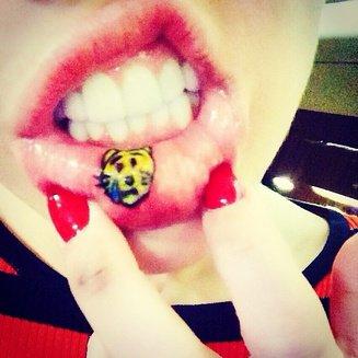 Miley Cyrus tatouage