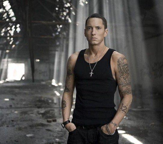 Paroles de Love the way you lie de Eminem feat Rihanna :!