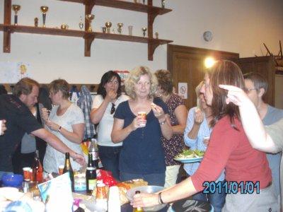 21 juin 2011    Un petit verre pour fêter la  fin des cours, dommage pour les absents, n'oubliez pas la rentrée en septembre