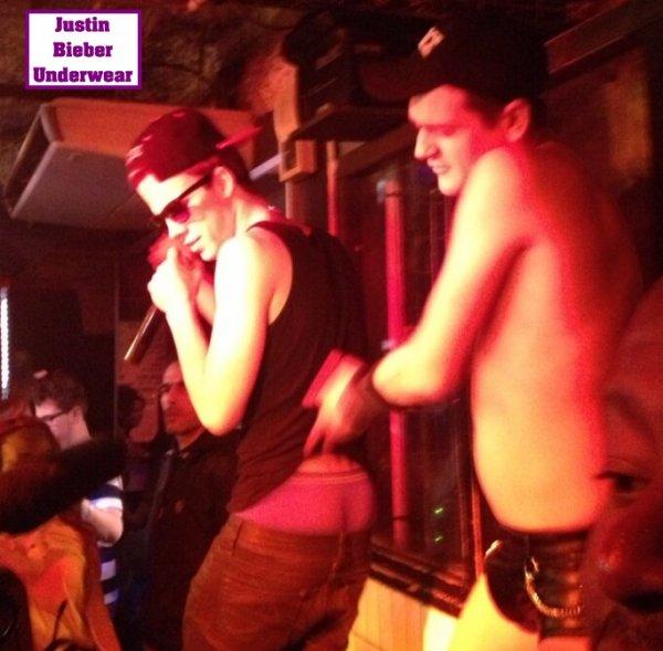 Le Show très SEXY de Christopher Bieber au Q discothèque !!! Avec Jeremstar et Bruno Moneroe