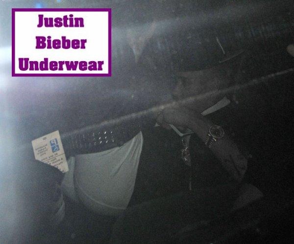 Justin nous montre ses fesses !!!