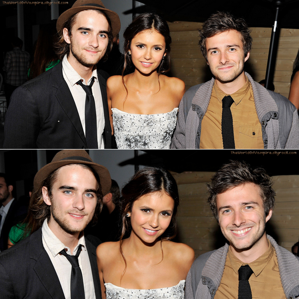 "Nina Dobrev à la ""Vitaminwater Hosts Official Party"" - 08/09"