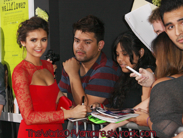 "Nina Dobrev à ""The Perks Of Being A Wallflower Premiere"" in LA - 10/09"