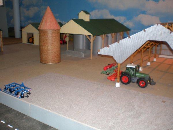 avancement du hangar et diorama (suite)