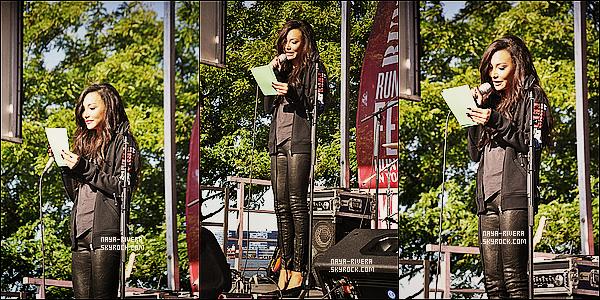 * 22/09/13 : Naya était présente lors de la célébration annuelle  des    Women's Health    situé a  Los Angeles. *