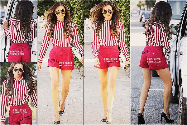 * 21/03/13 :   Naya a été aperçue  entrain de faire de nouveau un peu de     shopping     dans les rues de  Los Angeles. *