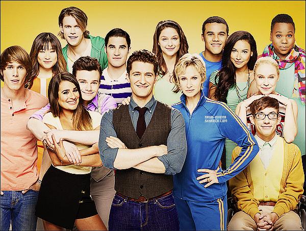 *  Deux nouvelles photos promotionnelle du    Cast  provenant du photoshoot de la saison 5 de Glee. *