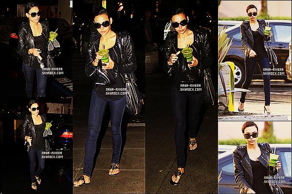 * 19/12/13 : Naya  a été aperçue avec une boisson a la main se rendant dans un     salon de beauté    a  Los Angeles. *