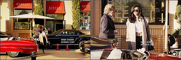 * 22/12/13 : Naya  a été aperçu ,sac en main, en train de faire ses dernières courses de noël      situé   a  Los Angeles. *