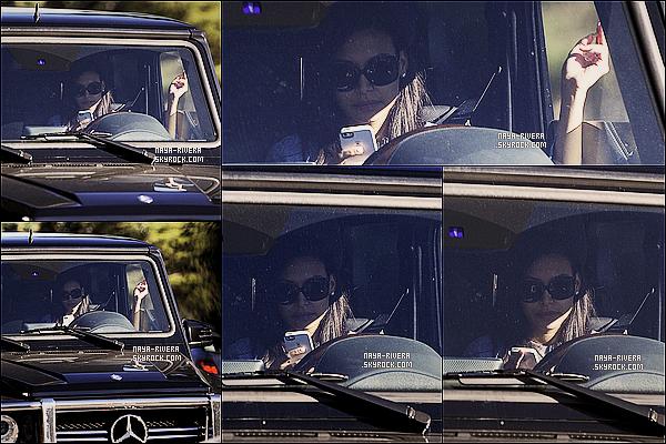 * 23/12/13 : Naya  a été aperçu dans sa voiture  près d'un  studio photo  non loin de  Hollywood a  Los Angeles. *