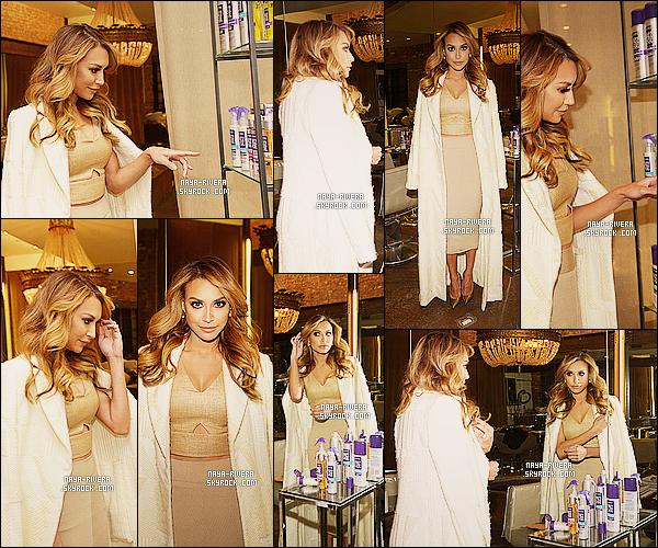 * 11/02/14 : Naya  a été aperçu en pleins dans le salon de    John Frieda's Curl Bar   situé  a  Los Angeles. *