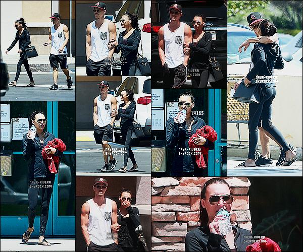 * 27/07/14 : Naya  a été vu en compagnie de Ryan Dorsey et Yolanda Rivera sortant de la  GYM   situé à   Los Angeles.  Naya passe un peu de temps en famille même pour  faire  du sport, côté tenue il n'y a rien a dire vu que c'est une simple tenue de sport   ! *