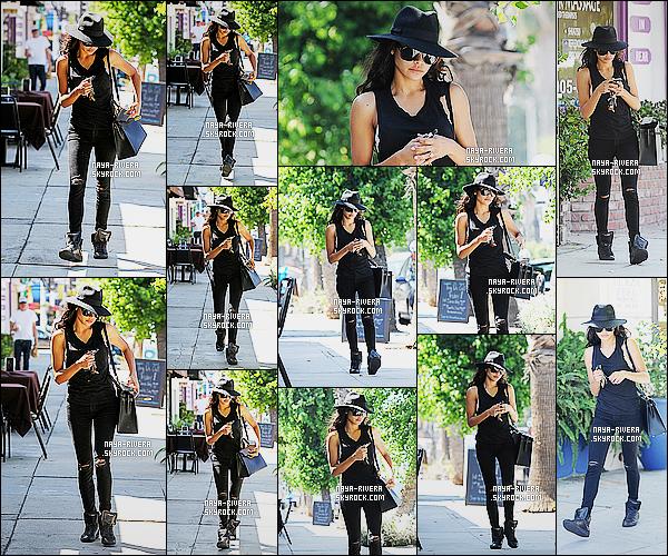 * 03/09/14 : Naya R.  a été aperçue fatigué et seule   lorsqu'elle quittait le  Laser Away    qui est situé  à   Studio City.  Naya R. est de sortie dans une tenue totalement noire qui est tout de même assez jolie. La belle ne semble pas ravis d'être photographié    ! *